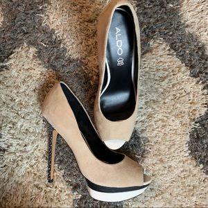 Stunning Aldo Nydeicia Platform Heels / Tan / 10M